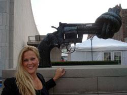 sofie-framför-staty-blogg